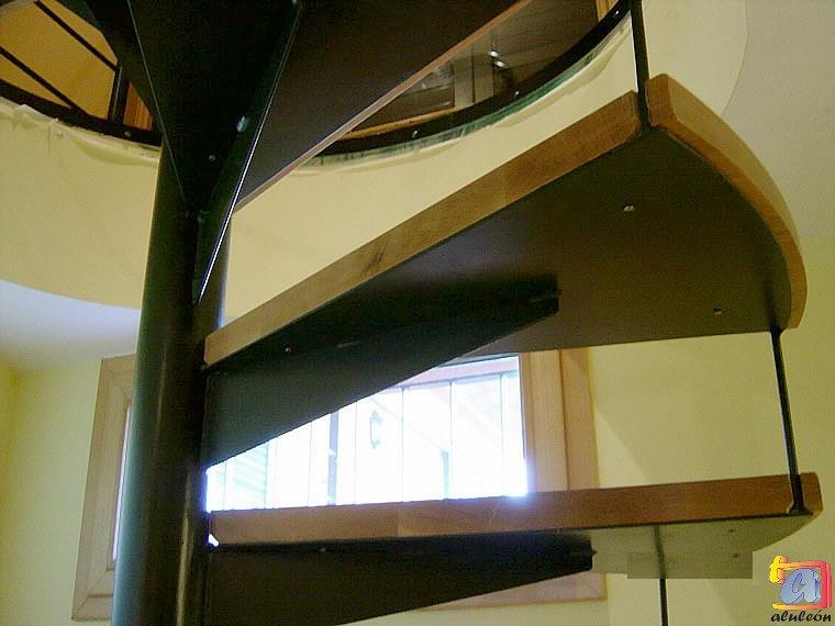 Visualizando imágenes del artículo: Barandillas/escaleras hierro-forja Nº15