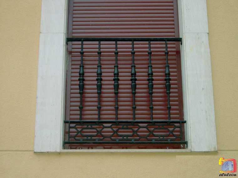 Visualizando imágenes del artículo: Barandillas/escaleras hierro-forja Nº19