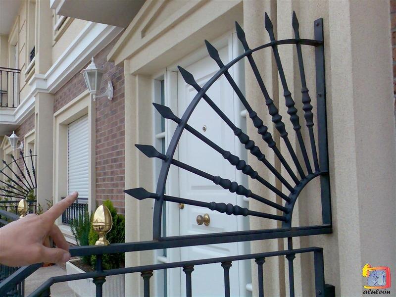 Visualizando imágenes del artículo: Barandillas/escaleras hierro-forja Nº34