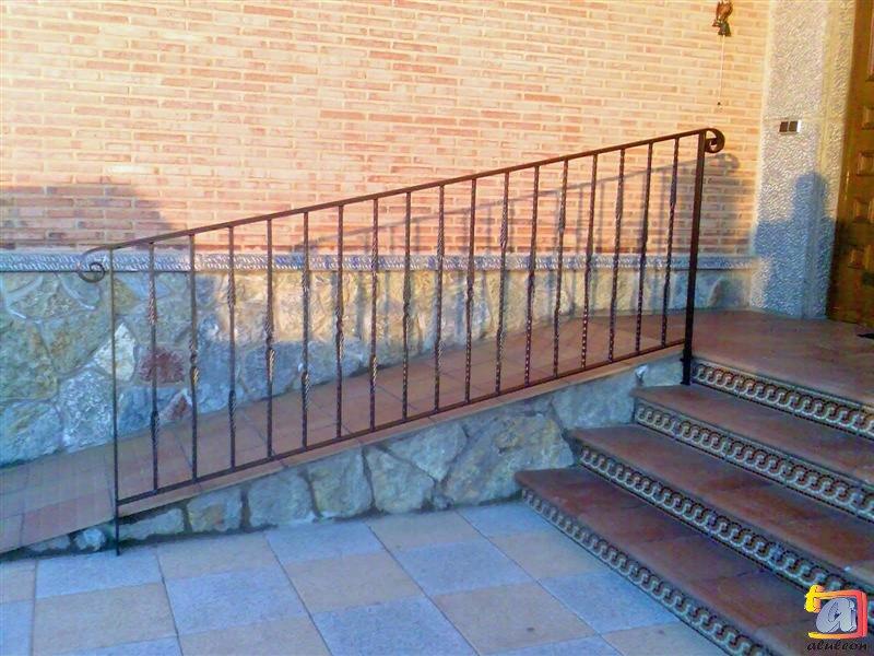 Visualizando imágenes del artículo: Barandillas/escaleras hierro-forja Nº38
