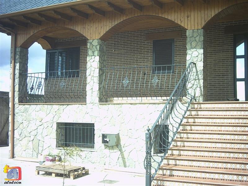 Visualizando imágenes del artículo: Barandillas/escaleras hierro-forja Nº44