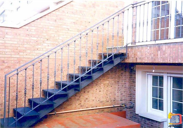 Visualizando imágenes del artículo: Barandillas/escaleras hierro-forja Nº8