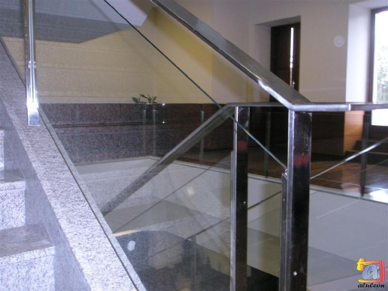 Visualizando imágenes del artículo: Barandillas/escaleras vidrio Nº4