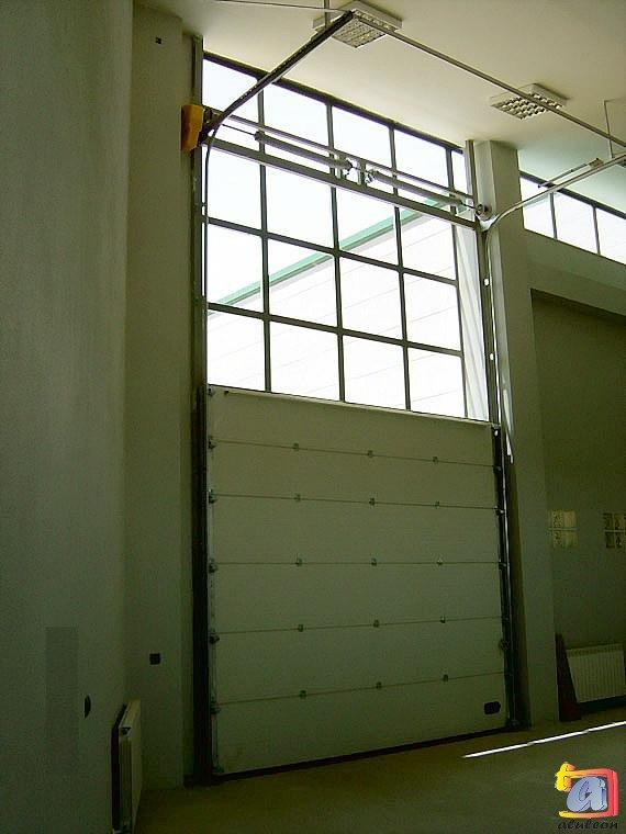 Visualizando imágenes del artículo: Puertas seccionales Nº4