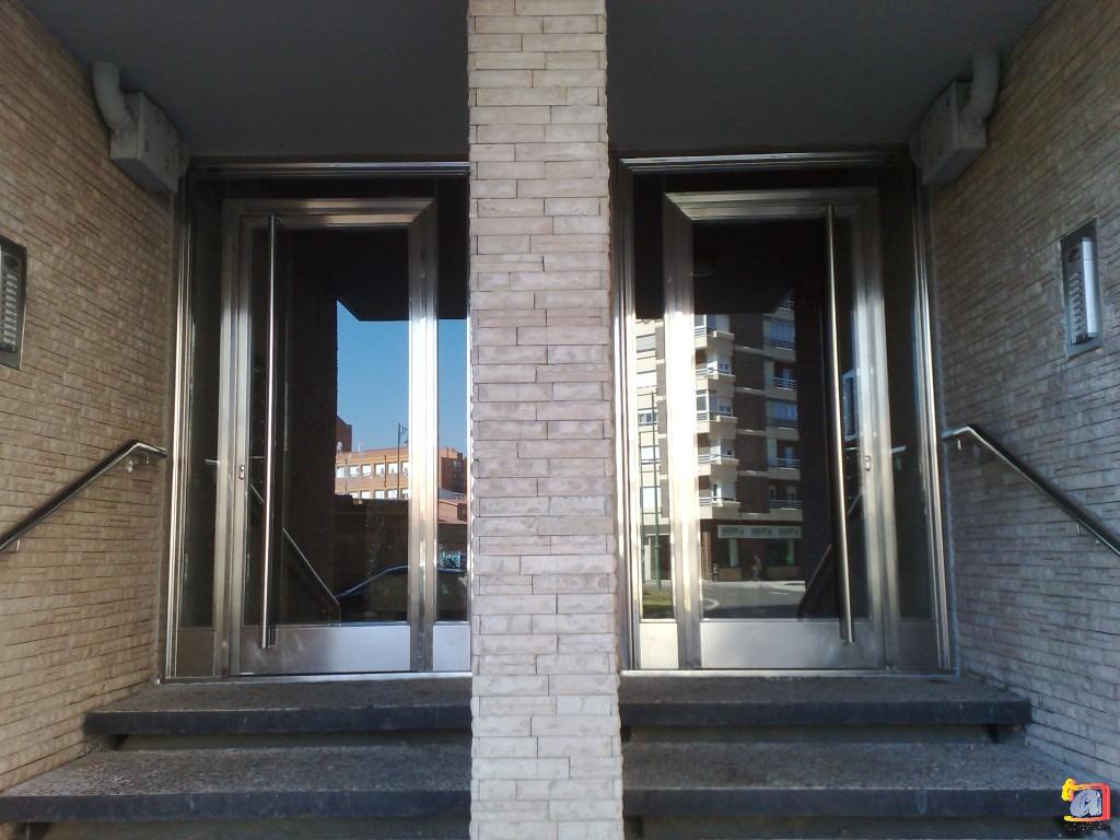 Visualizando imágenes del artículo: Puertas acero inoxidable Nº6