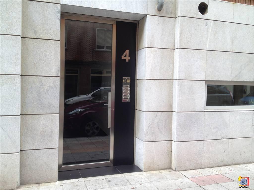 Visualizando imágenes del artículo: Puertas acero inoxidable Nº8