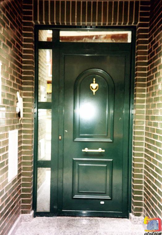 Visualizando imágenes del artículo: Puertas aluminio Nº1